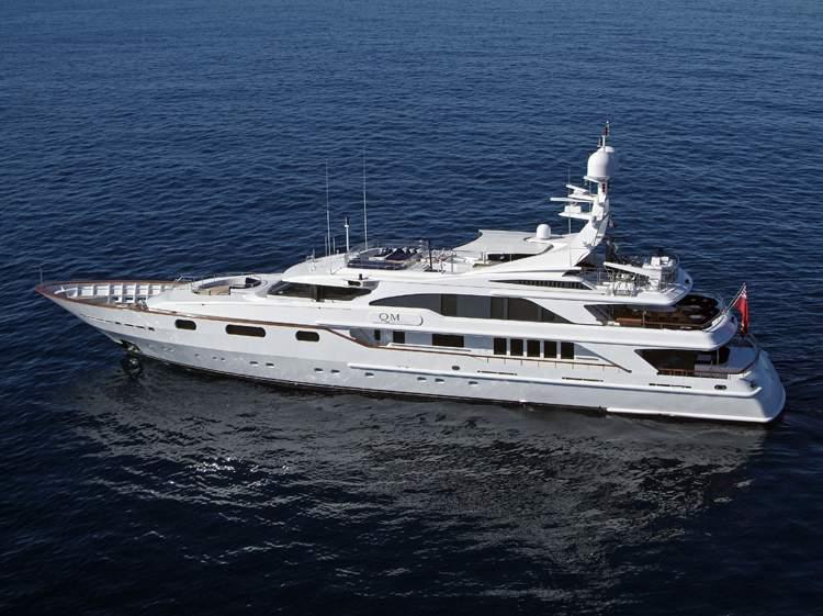 qm-of-london-benetti-luxury-yacht-charter-0011 (1)